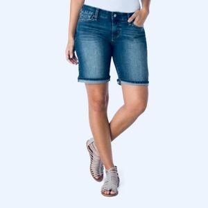 ❗️Levi's Modern Bermuda Shorts